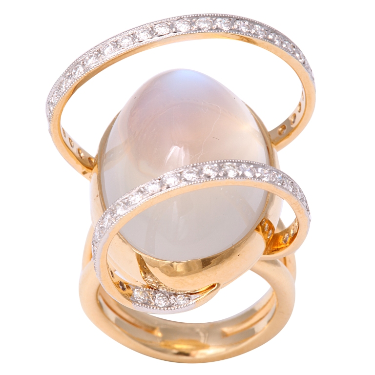 x Moonstone Jewelry Offers You Fashionable Look & Healing properties
