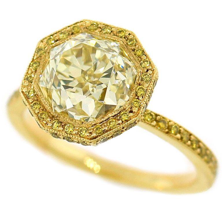 yellow-diamond-engagement-ring-8 The Rarest Yellow Diamonds & Their Breathtaking Beauty