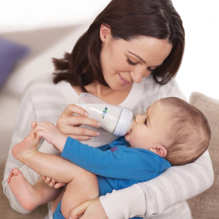 260ml-avent-bottle-natural-collection-with-baby-and-mother_pr4683_7 How to Be a Happier Mother