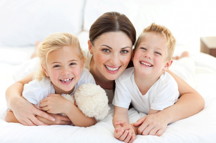 Mother-And-Her-Children How to Be a Happier Mother