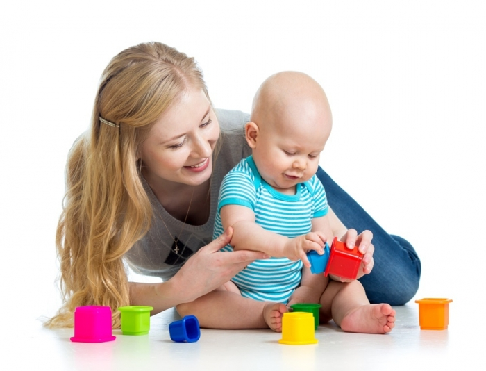 sf-baby-and-mom-playing-with-toys How to Be a Happier Mother