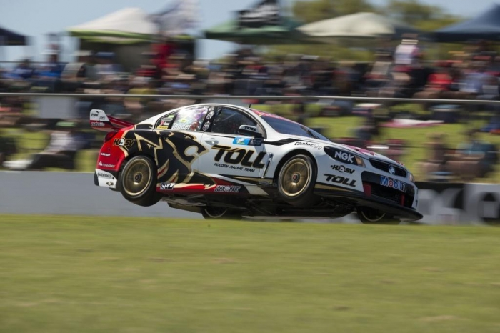 2-Tander-EV04-13-8984 Who Is the Winner in V8 Supercars Championship?