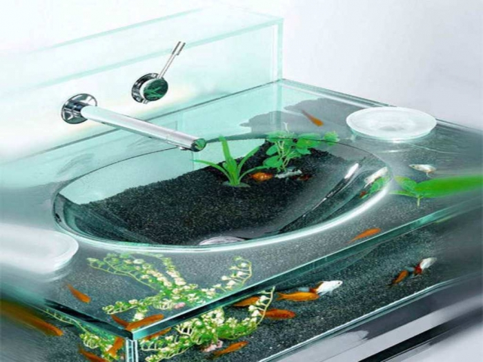Aquarium-Decoration-Ideas-with-the-faucet How to Decorate Your Boring Fish Tank