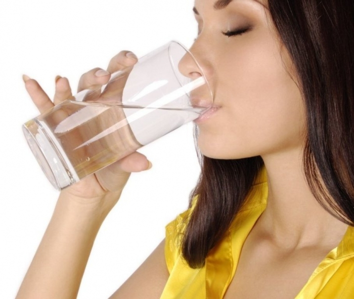 drinking-water1 10 Tips to Get Rid of Under Eye Lines and Wrinkles