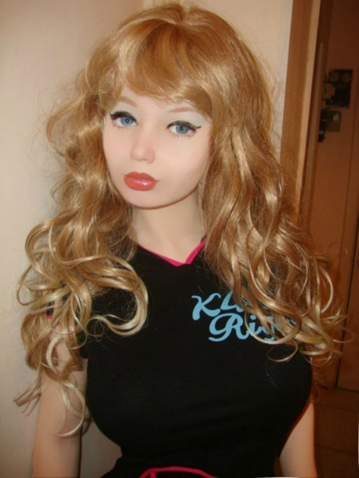 ukraine-puppet-epidemic-new-girl-barbie-vsego1 18 Newest & Youngest Barbie Girls in The World