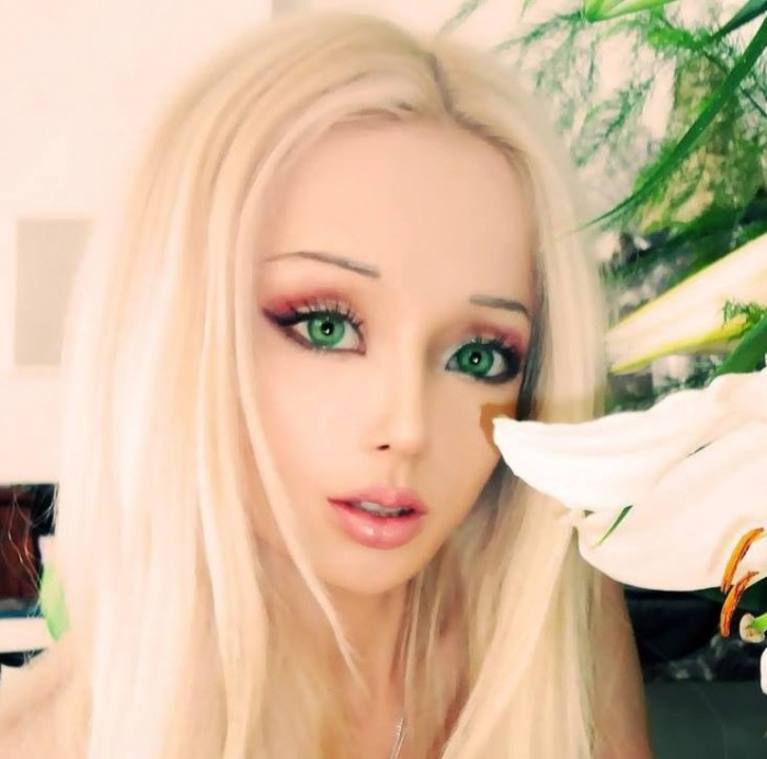 valeria-lukyanova-featured-documentary-film-my-life-online-space-barbie. 18 Newest & Youngest Barbie Girls in The World