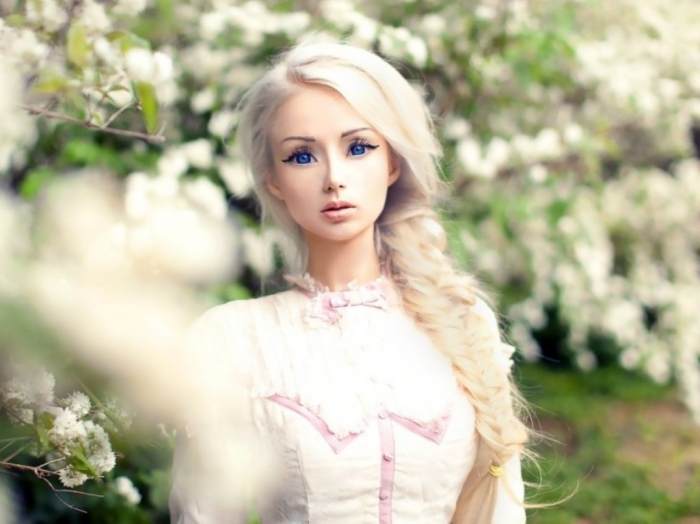 valeria-lukyanova-featured-documentary-film-my-life-online-space-barbie 18 Newest & Youngest Barbie Girls in The World