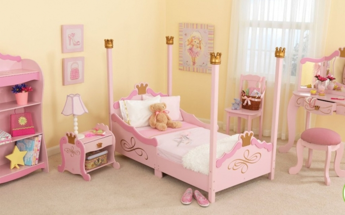 35-Dazzling-Amazing-Girls-Bedroom-Design-Ideas-2015-9 34 Dazzling & Amazing Girls' Bedroom Design Ideas 2019