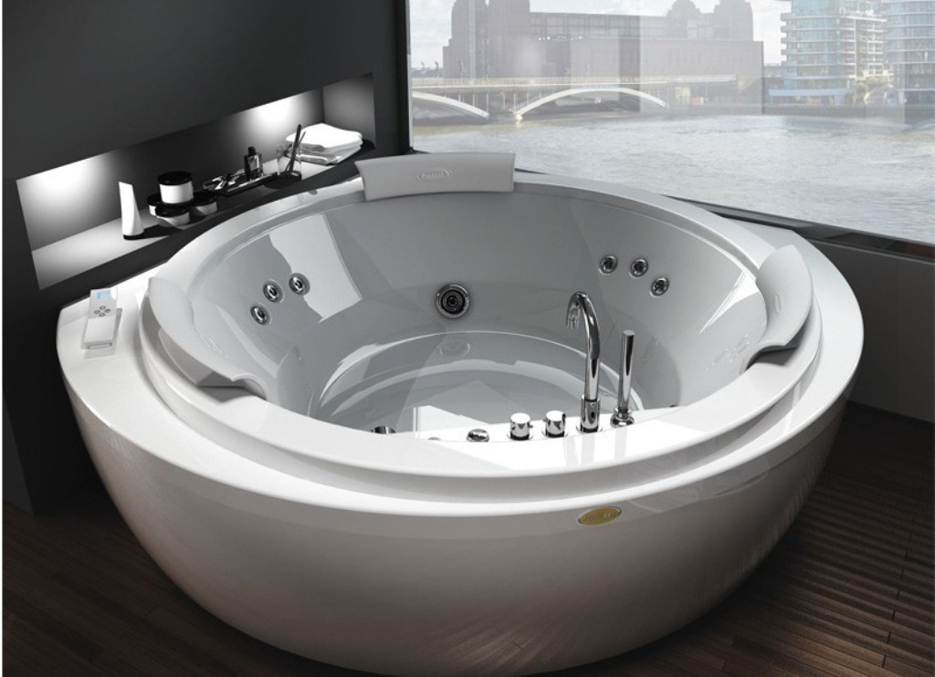 35-Magnificent-Dazzling-Bathtub-Designs-2015-4 45+ Magnificent & Dazzling Bathtub Designs 2019