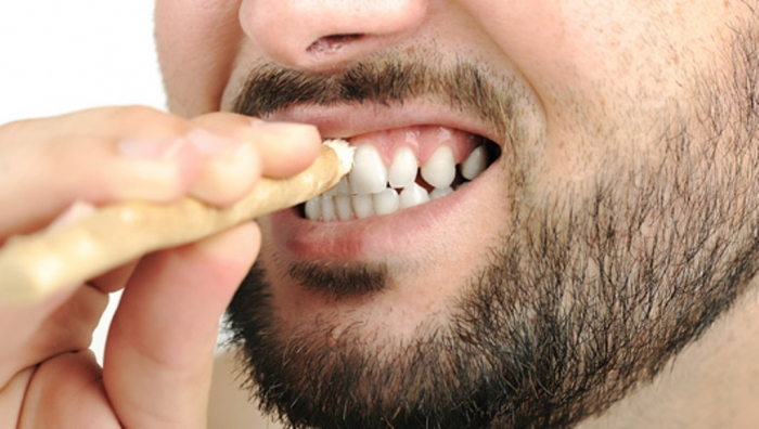 Miswak-Toothbrush How Can I Whiten My Teeth Easily & Naturally?