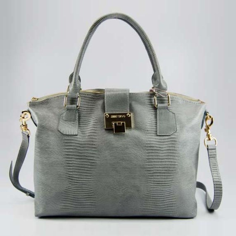 10-Easy-Tricks-to-Make-Your-Bag-Look-More-Expensive-6 Top 10 Easy Tricks to Make Your Bag Look More Expensive