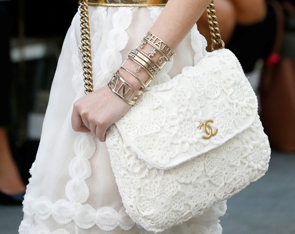 10-Valuable-Accessories-Each-Fashionable-Woman-Should-Own-in-2015-10 10 Valuable Accessories Each Fashionable Woman Should Own in 2017