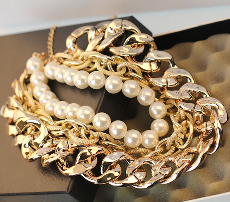 10-Valuable-Accessories-Each-Fashionable-Woman-Should-Own-in-2015-12 10 Valuable Accessories Each Fashionable Woman Should Own in 2017