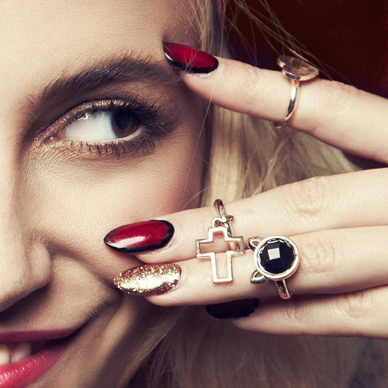 10-Valuable-Accessories-Each-Fashionable-Woman-Should-Own-in-2015-16 10 Valuable Accessories Each Fashionable Woman Should Own