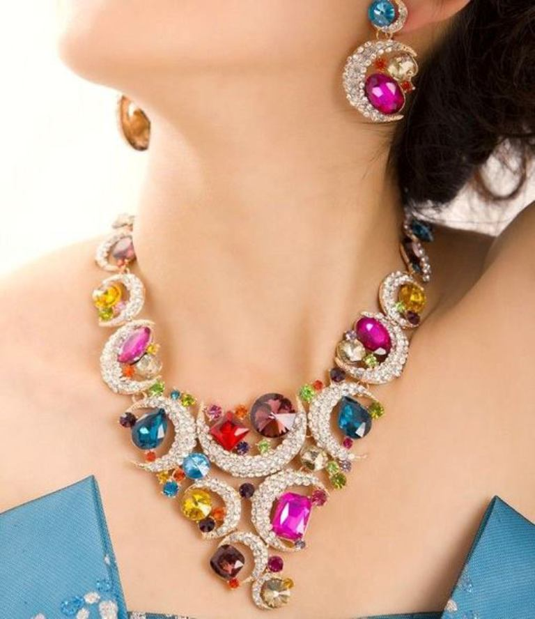 10-Valuable-Accessories-Each-Fashionable-Woman-Should-Own-in-2015-2 10 Valuable Accessories Each Fashionable Woman Should Own