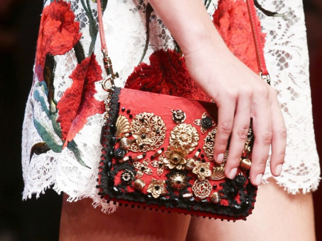 10-Valuable-Accessories-Each-Fashionable-Woman-Should-Own-in-2015-9 10 Valuable Accessories Each Fashionable Woman Should Own in 2017
