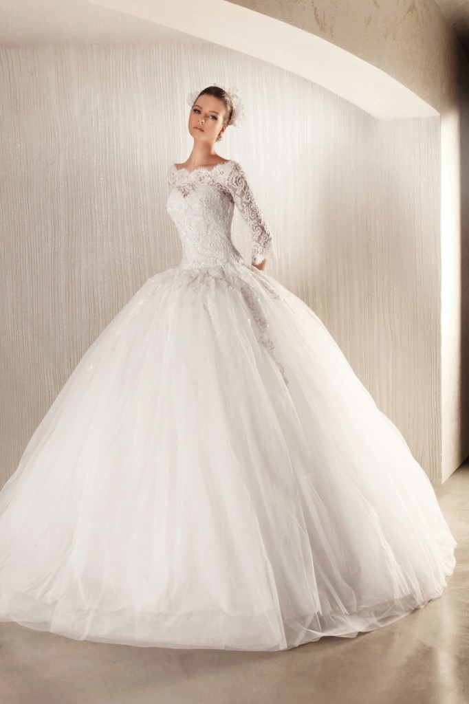32-Awesome-Wedding-Dresses-for-Muslims-2015-14 30+ Awesome Wedding Dresses for Muslims 2020