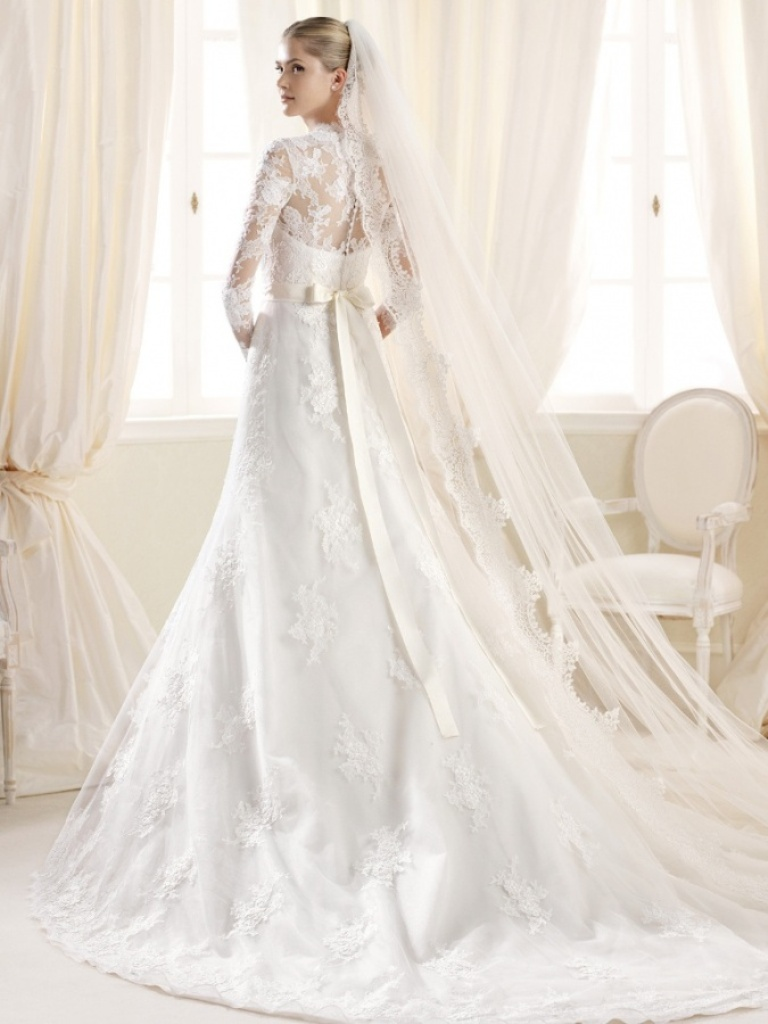 32-Awesome-Wedding-Dresses-for-Muslims-2015-23 30+ Awesome Wedding Dresses for Muslims 2020