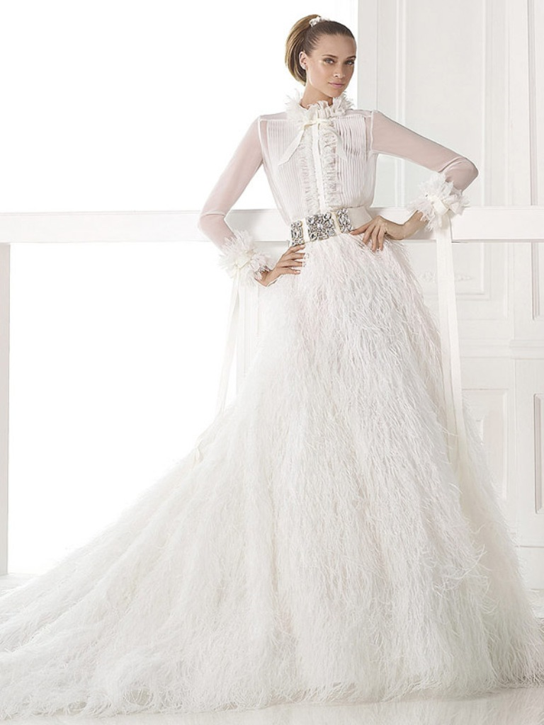 32-Awesome-Wedding-Dresses-for-Muslims-2015-30 30 Awesome Wedding Dresses for Muslims 2017