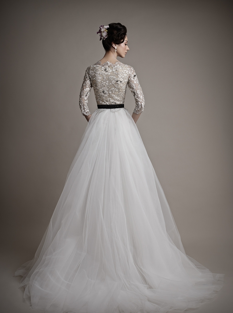 32-Awesome-Wedding-Dresses-for-Muslims-2015-7 30+ Awesome Wedding Dresses for Muslims 2021