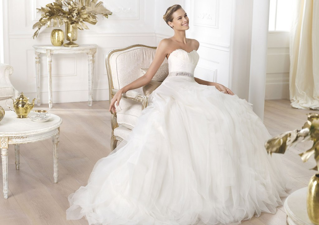 34-of-the-Best-Wedding-Dresses-in-2015-15 33+ Most Stylish Wedding Dresses To Choose From