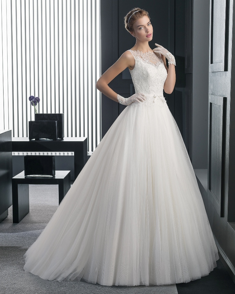 34-of-the-Best-Wedding-Dresses-in-2015-27 33+ Most Stylish Wedding Dresses To Choose From
