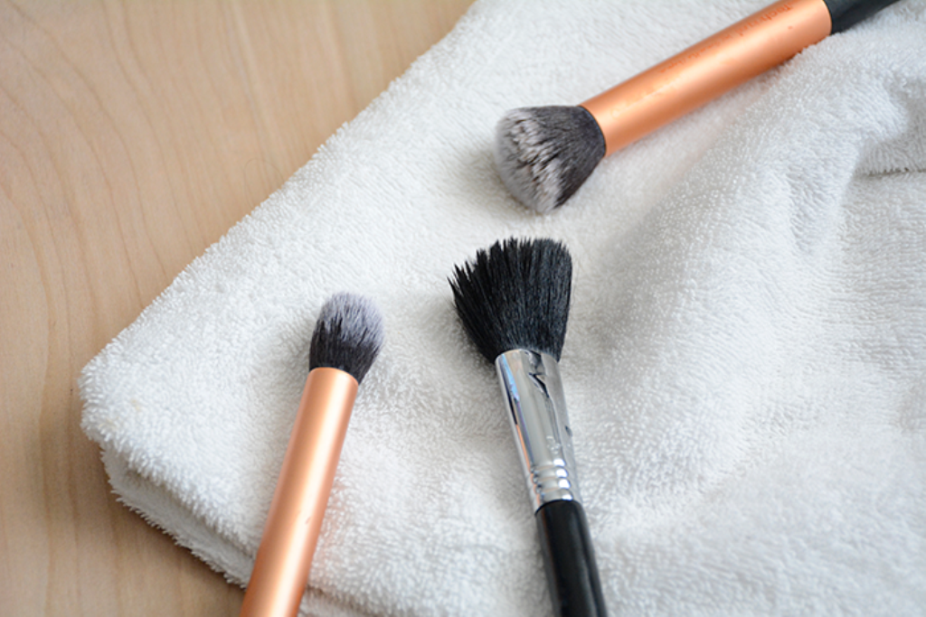 How-Can-I-Clean-My-Make-up-Brushes-11 How Can I Clean My Make-up Brushes?