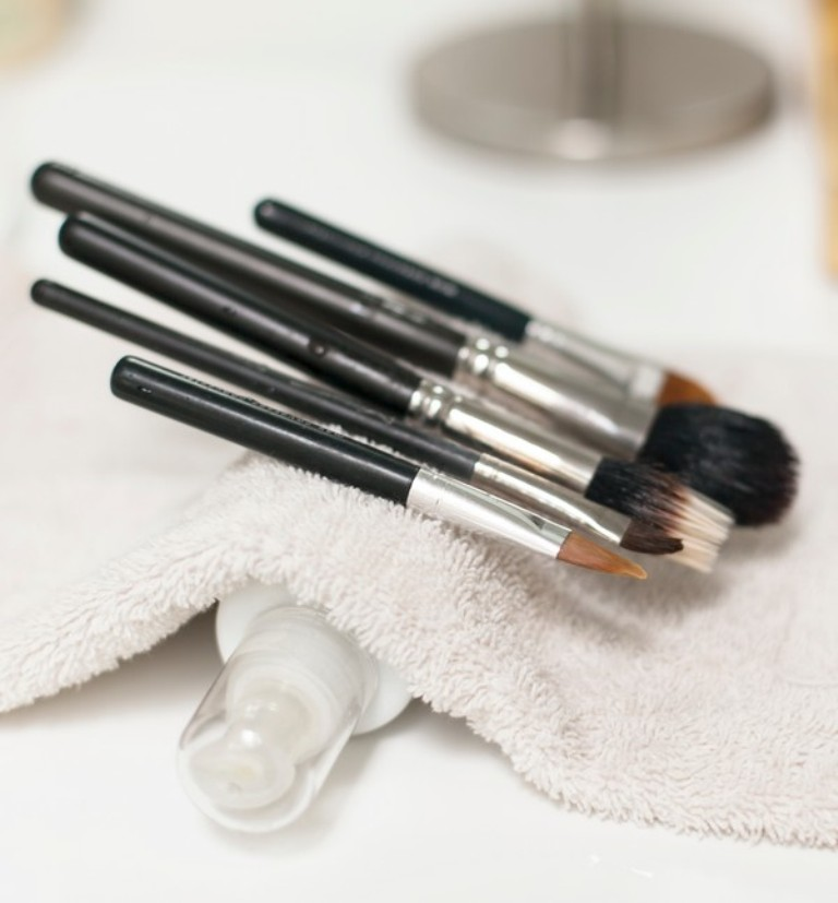 How-Can-I-Clean-My-Make-up-Brushes-16 Three Accessories That Brides Shouldn't Skip