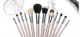 How Can I Clean My Make-up Brushes