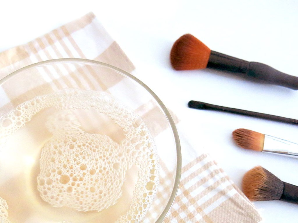 How-Can-I-Clean-My-Make-up-Brushes-3 How Can I Clean My Make-up Brushes?