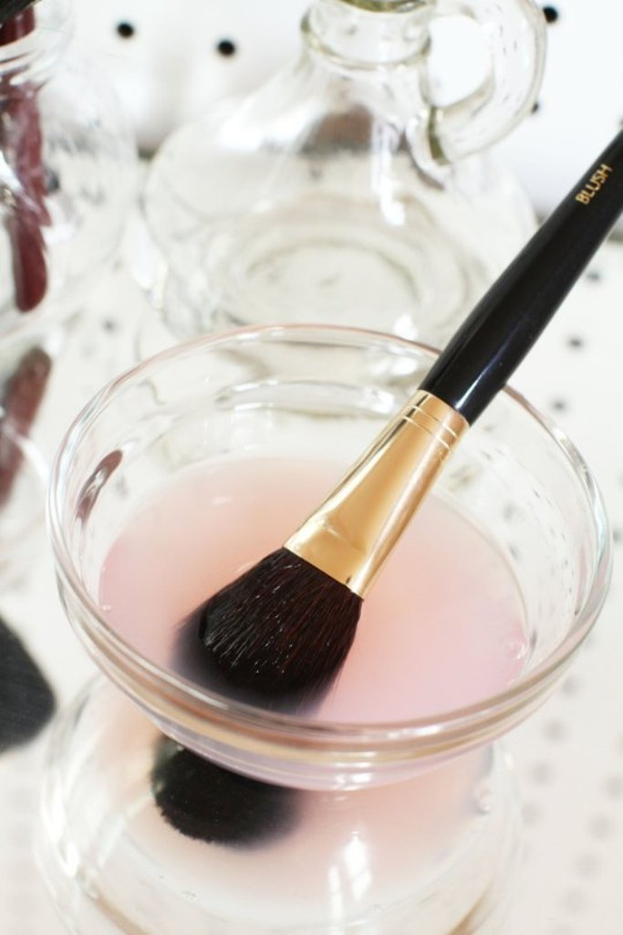 How-Can-I-Clean-My-Make-up-Brushes-5 How Can I Clean My Make-up Brushes?