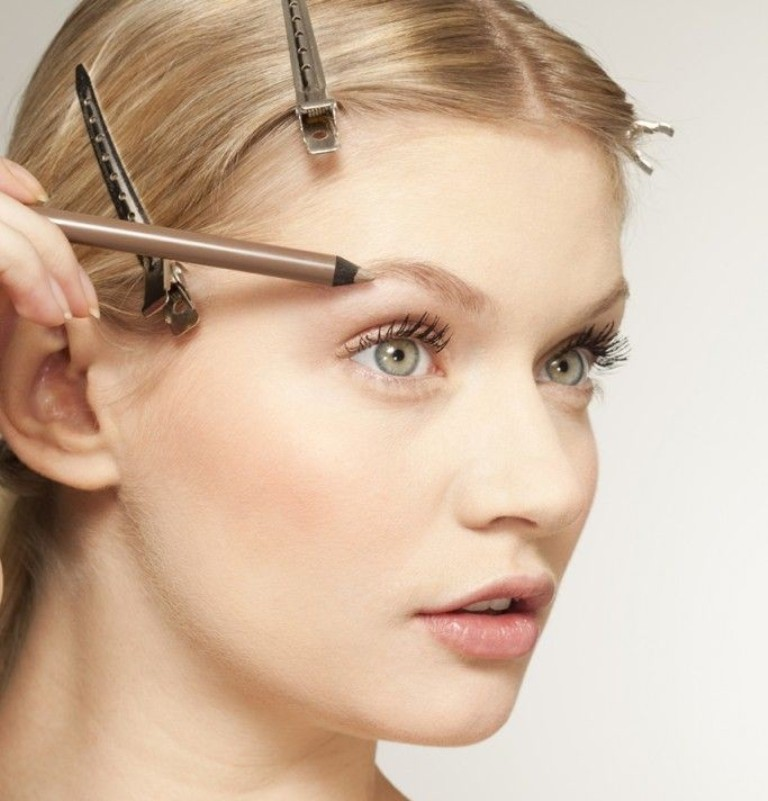 How-Can-I-Perfectly-Shape-My-Eyebrows-9 How Can I Perfectly Shape My Eyebrows?