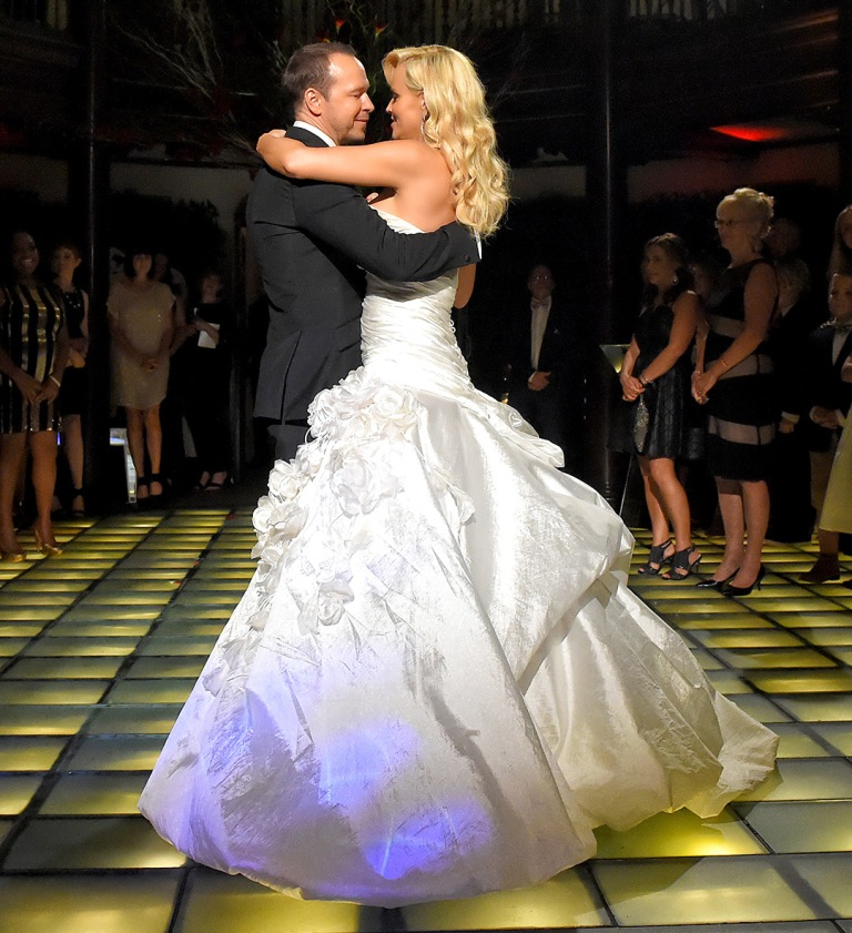 Jenny-McCarthy-and-Donnie-Wahlberg2 Top 10 Celebrity Weddings of 2014