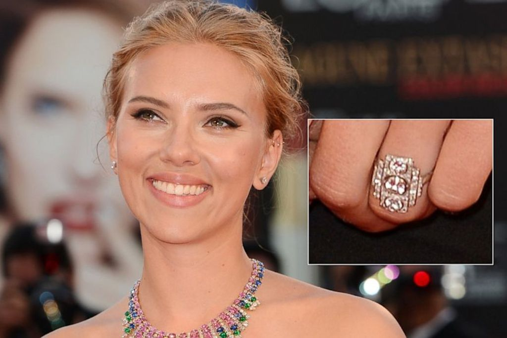Scarlett-Johansson-and-Roman-Dauriac Top 10 Celebrity Weddings of 2014