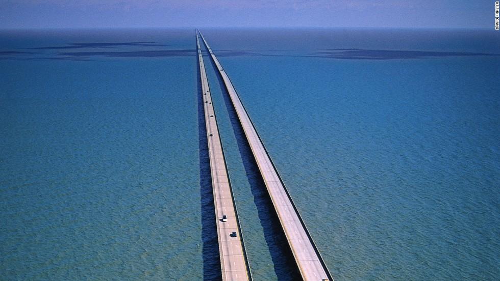 140401161547-longest-bridges-lake-pontchartrain-horizontal-large-gallery Top 10 Biggest Bridges in USA