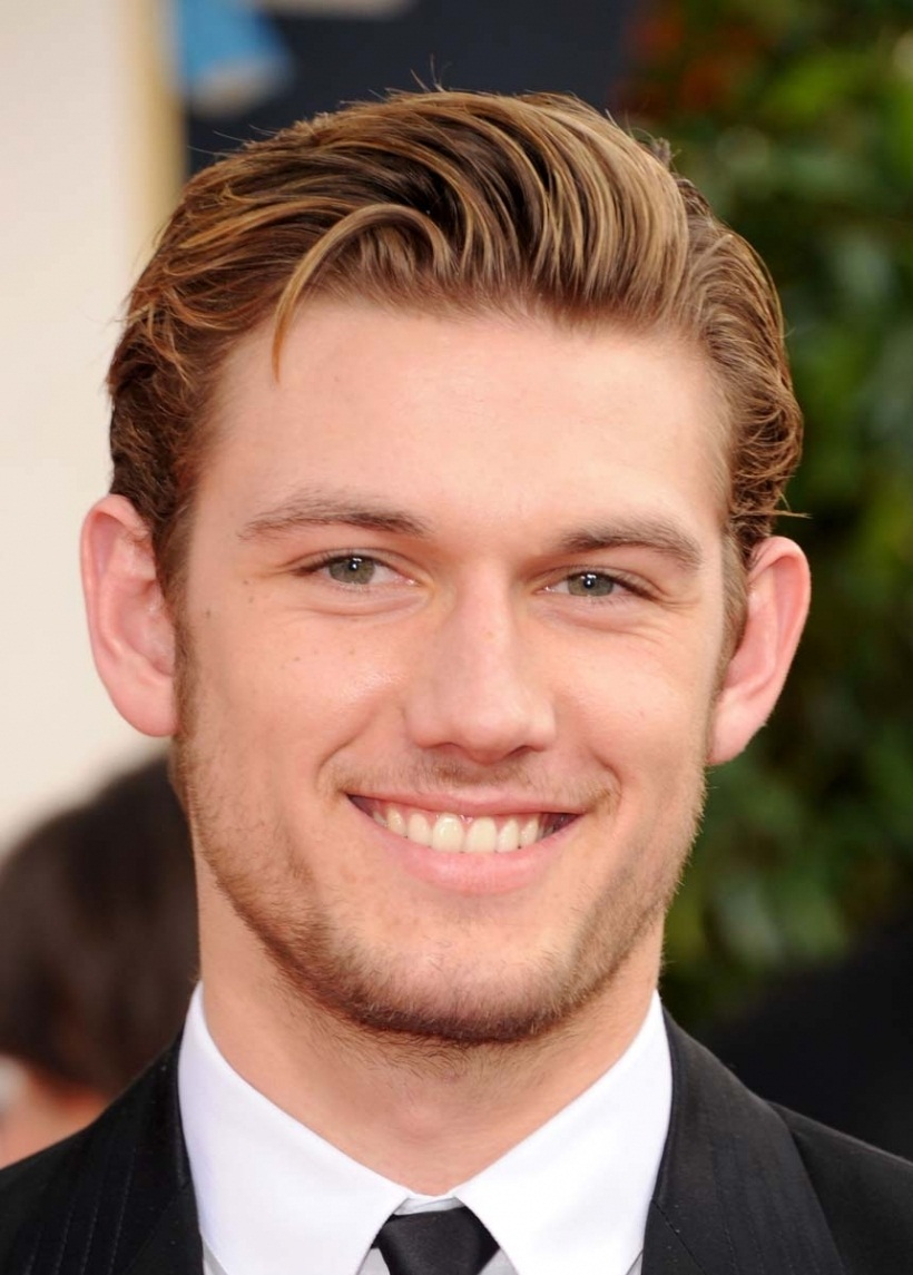 alex-pettyfer-golden-globes-01202011-05-820x1176 Top 10 Most Handsome (Good Looking) Hollywood Actors