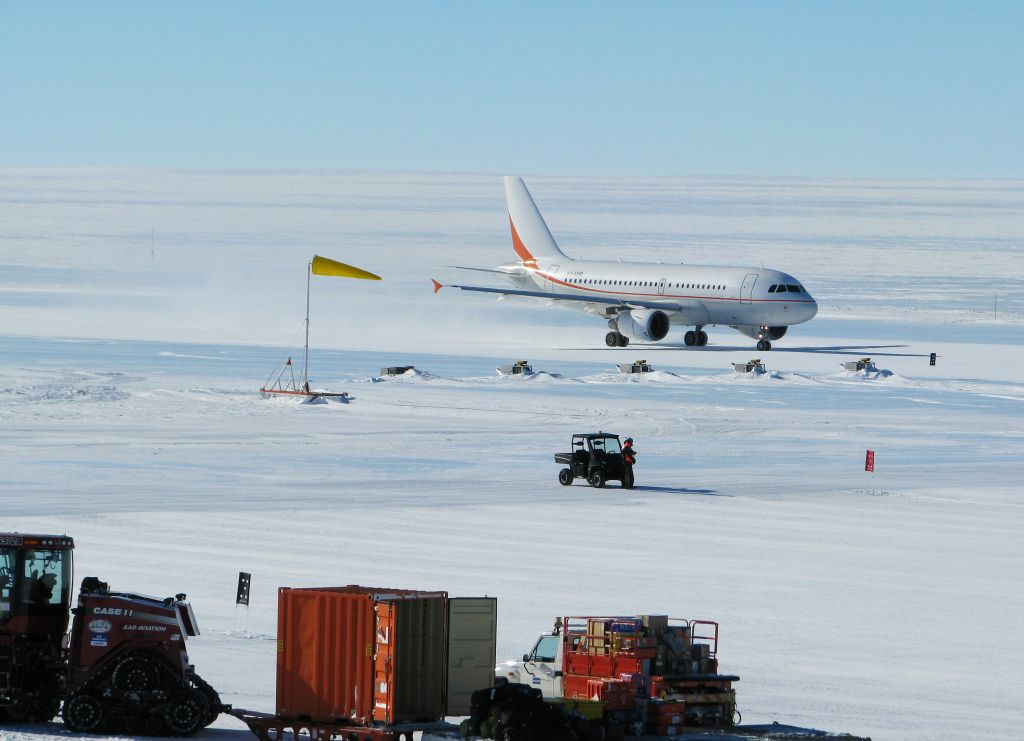 antarctic Top 10 Weirdest Airport in The World