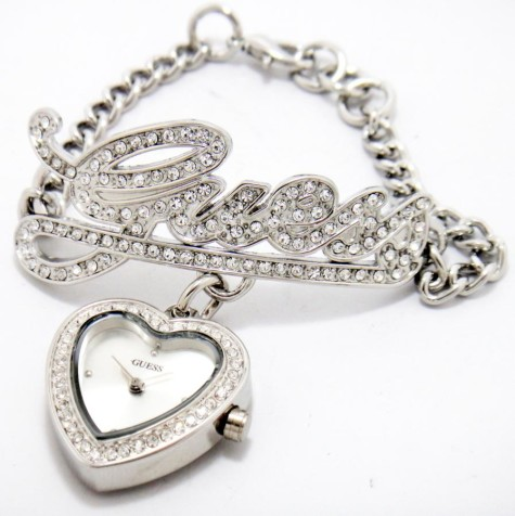guess-logo-love-charm-bracelet-chain-ladies-sil-watch-borong2u-1301-04-borong2u@3-475x476 How To Select Practical, Cheap And Good Quality Watch?