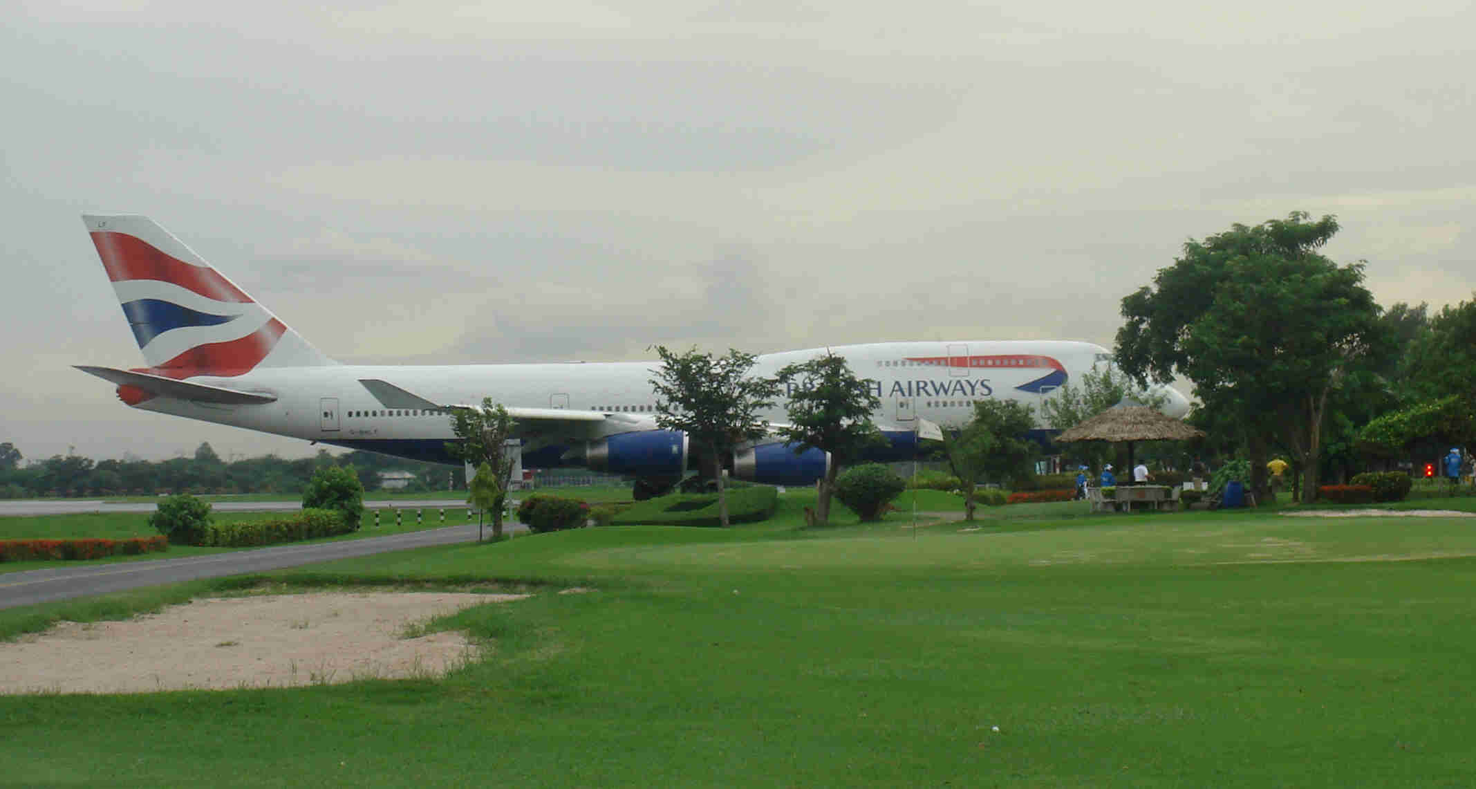 kantaratba Top 10 Weirdest Airport in The World