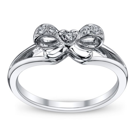 short-0384936_T-copy-1024x1024-513ec314ad47b-51412c1b7b40a-475x475 7 Ways to Select Rings For Long, Skinny, And Short Fingers