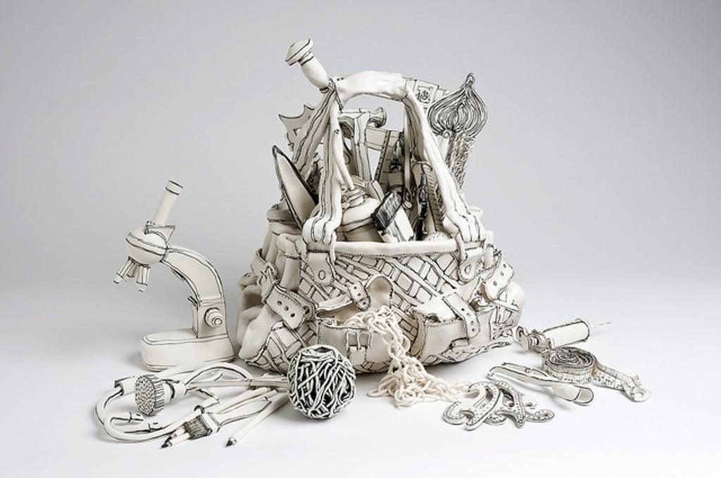 3D-Ceramic-Artworks-that-Look-Like-Pen-Drawings-14 46 3D Ceramic Artworks that Look Like Pen Drawings!