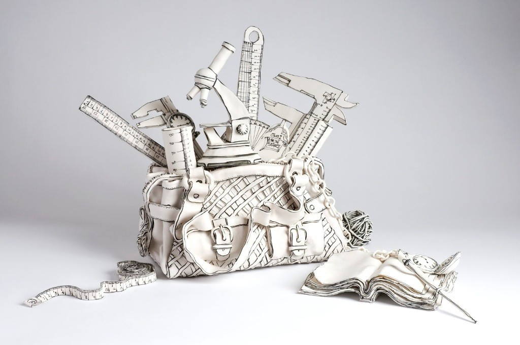 3D-Ceramic-Artworks-that-Look-Like-Pen-Drawings-15 46 3D Ceramic Artworks that Look Like Pen Drawings!