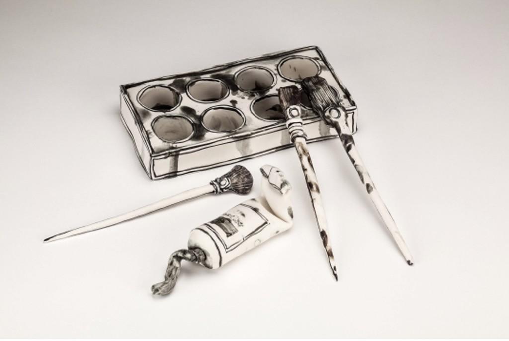 3D-Ceramic-Artworks-that-Look-Like-Pen-Drawings-22 46 3D Ceramic Artworks that Look Like Pen Drawings!