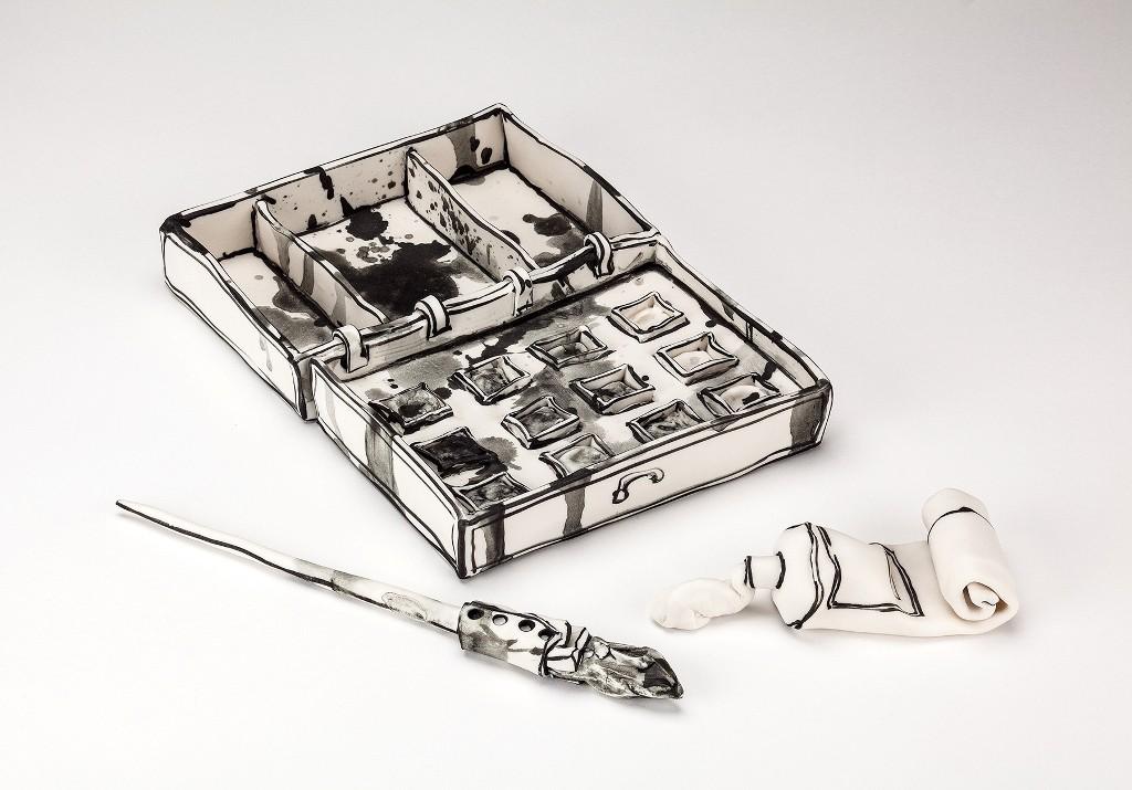 3D-Ceramic-Artworks-that-Look-Like-Pen-Drawings-38 46 3D Ceramic Artworks that Look Like Pen Drawings!