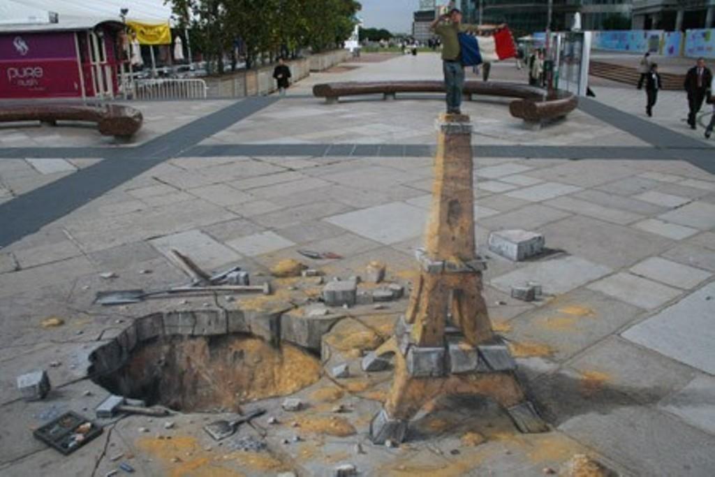 3D-Chalk-Art-Drawings-16 40 Most Fascinating 3D Chalk Art Drawings