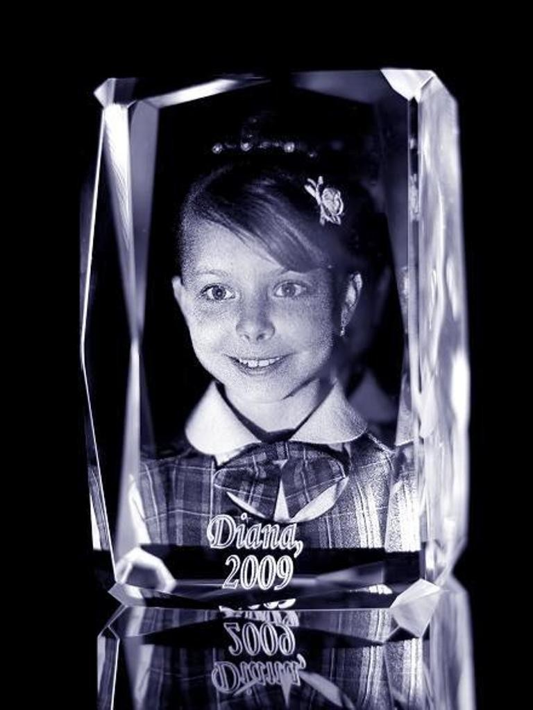 3D-Portraits-in-Glass-14 49 Most Fabulous 3D Portraits in Glass