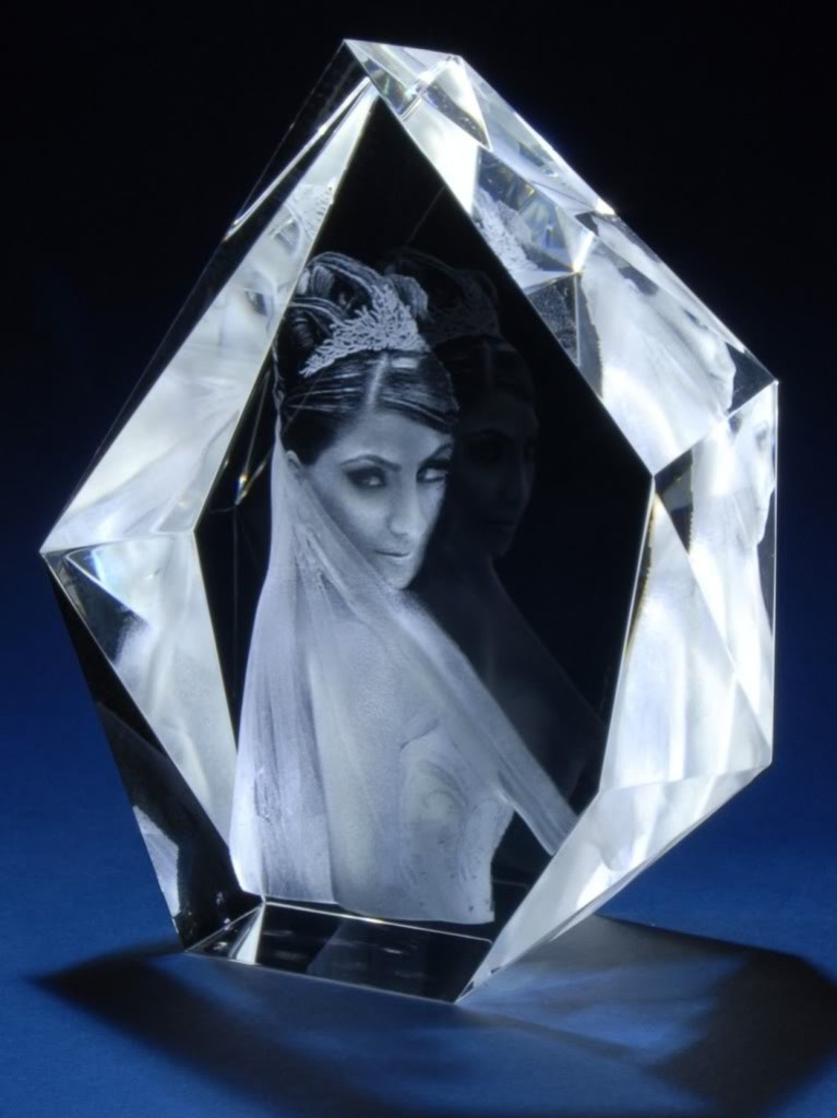 3D-Portraits-in-Glass-20 49 Most Fabulous 3D Portraits in Glass