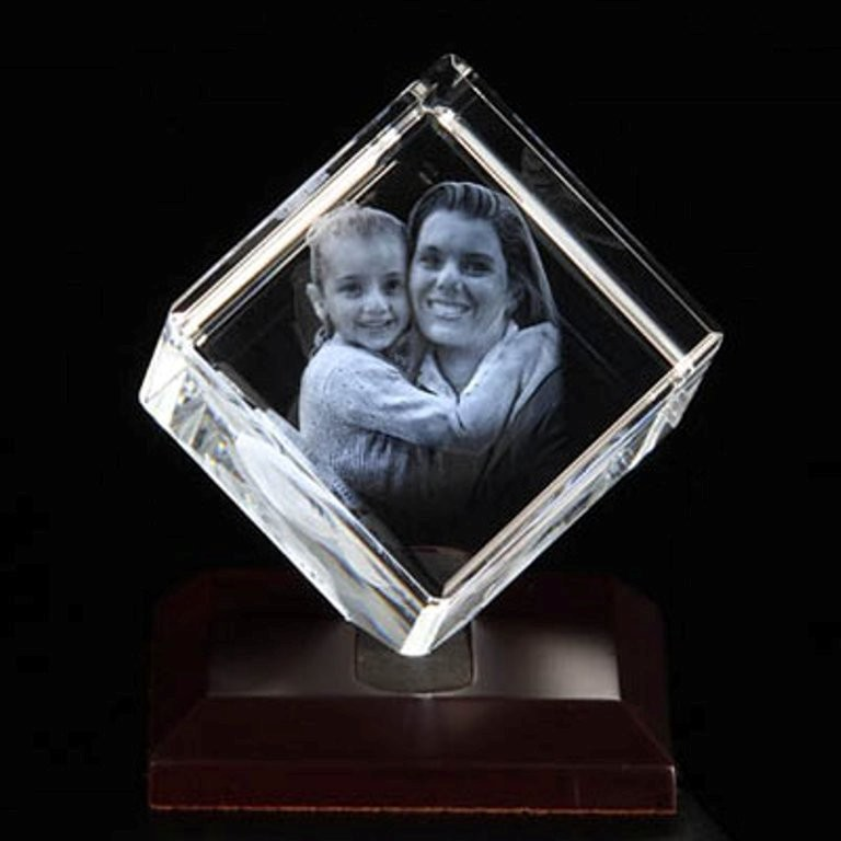 3D-Portraits-in-Glass-27 49 Most Fabulous 3D Portraits in Glass