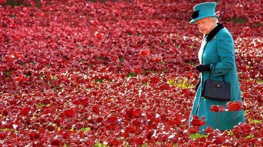 888246-Breathtaking-Poppies-Make-the-Tower-of-London-More-Stunning-111 888,246 Breathtaking Poppies Make the Tower of London More Stunning