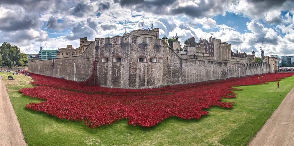 888246-Breathtaking-Poppies-Make-the-Tower-of-London-More-Stunning-31 888,246 Breathtaking Poppies Make the Tower of London More Stunning